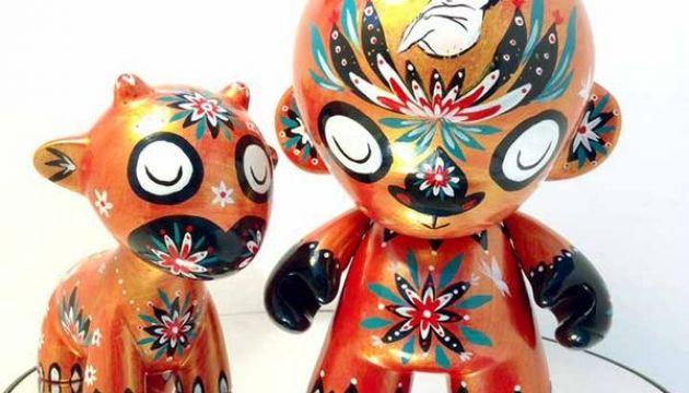 Martin Hsu custom Munny and Raffy