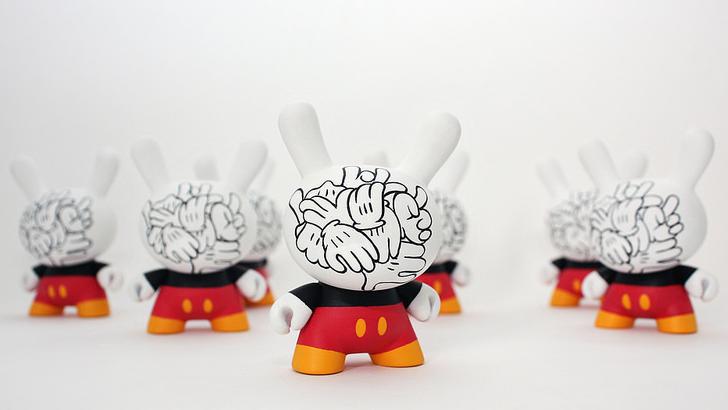 Mickey Messy Custom Dunnys by WuzOne